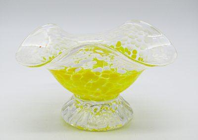 coupelle blanche et jaune
