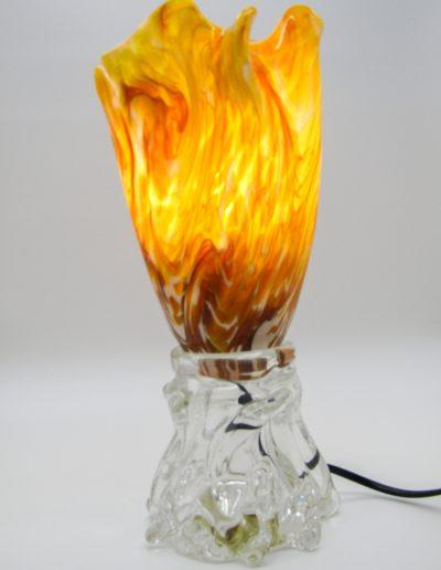 lampe torche allumée miel et blanc